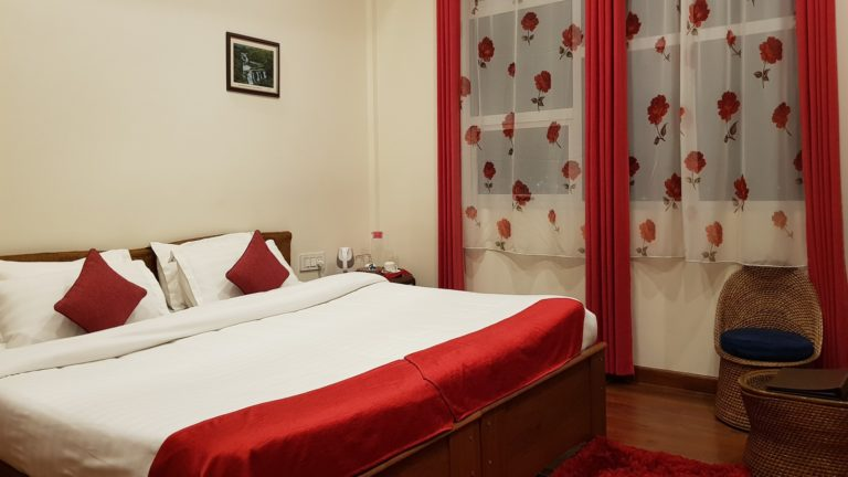 woodland hill stay deluxe room with MV2